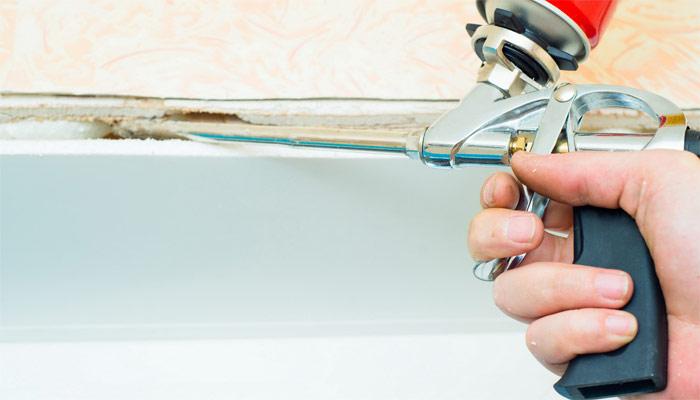 Устройство пистолета для монтажной пены в разрезе