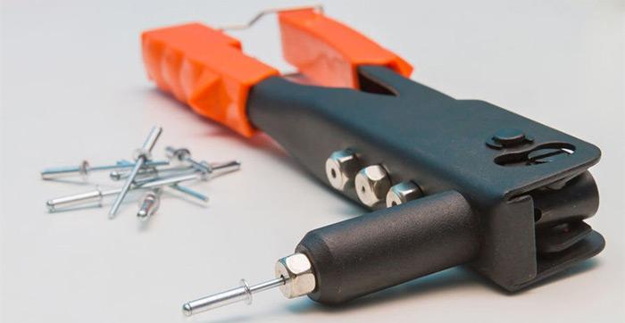 заклёпочник для вытяжных заклёпок