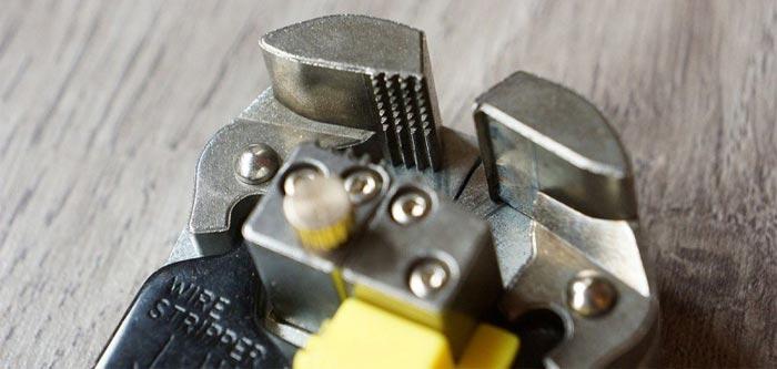 Стриппер для снятия изоляции с проводов как правильно выбрать клещи для зачистки